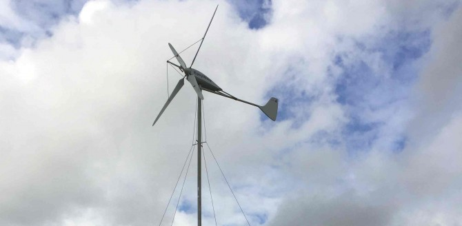 11.09.2017: Mikrodorf mit Solar, Wind und Speicher erfolgreich am Netz