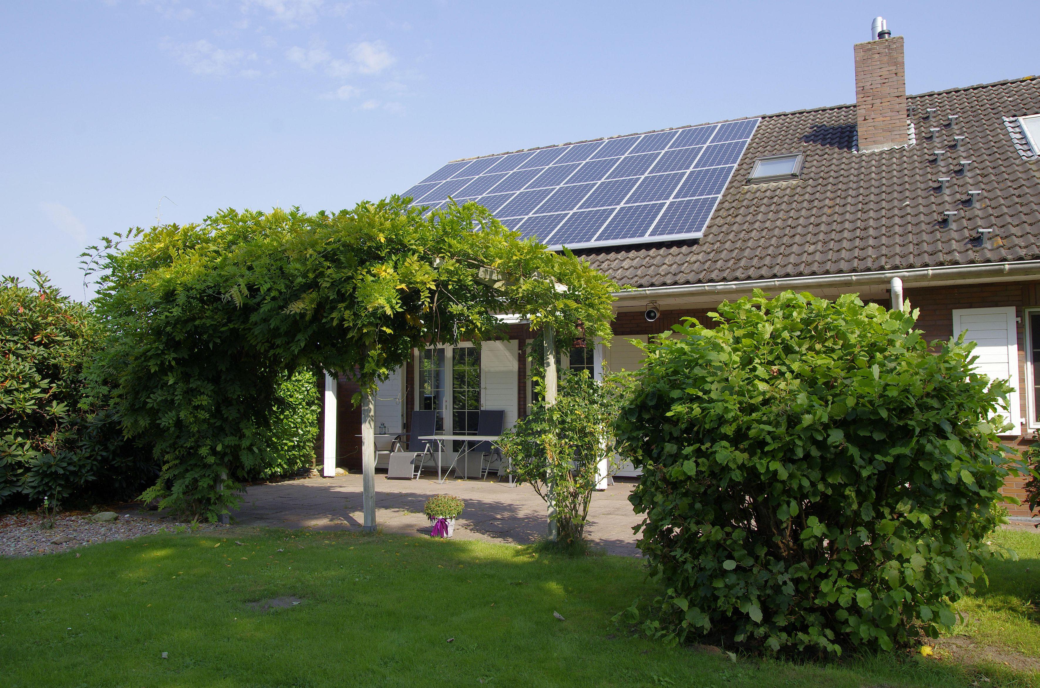 Haus mit Garten_ 300dpi