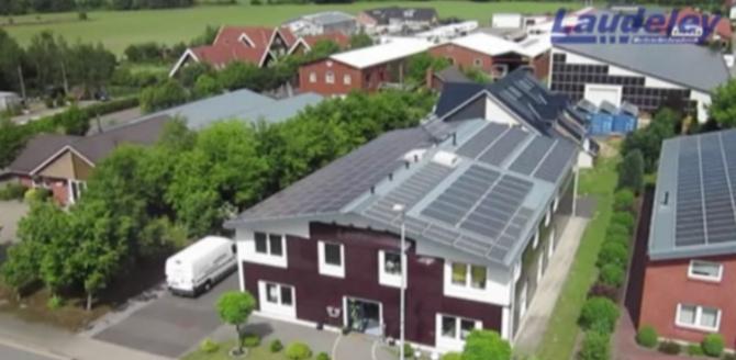 30.07.2012: Laudeley sorgt im Gewerbegebiet Ritterhude für 1,2 Millionen Kilowattstunden Solarstrom